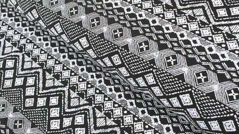 Bademodenstoff schwarz-weiß: Ethno-Muster - 155 cm im Makerist Materialshop