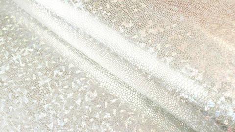 Stretchstoff silber: Metallic Reptil - 150 cm kaufen im Makerist Materialshop