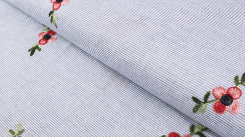 Baumwollstoff blau-weiß gestreift: Gestickte Pfingstrose - 145 cm kaufen im Makerist Materialshop