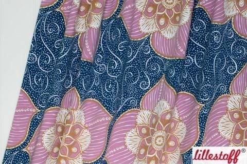Lillestoff Bio-Jersey rosa-dunkelblau: Blumenranke - 150 cm kaufen im Makerist Materialshop