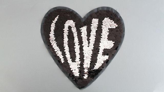 Patch - großes Herz: Paillettenliebe (nähen) im Makerist Materialshop - Bild 1