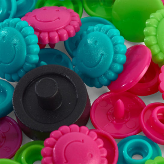 Prym Love Druckknopf Color Blume 13,6 mm türkis/grün/pink kaufen im Makerist Materialshop