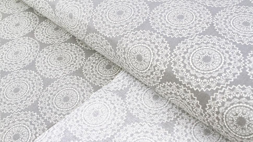 Baumwollstoff grau: Mandala - 140 cm 1 kaufen im Makerist Materialshop
