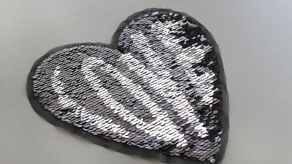 Patch - großes Herz: Paillettenliebe (nähen) im Makerist Materialshop - Bild 2