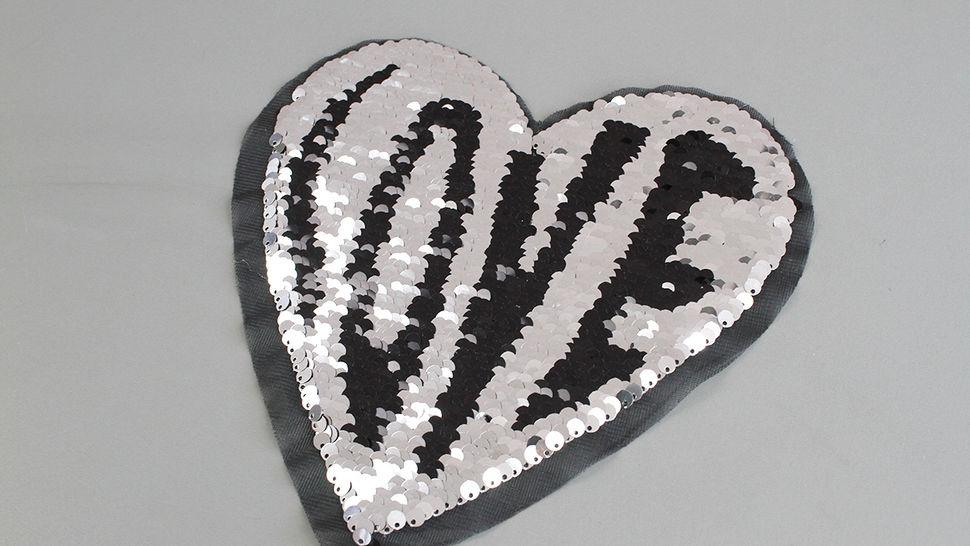 Patch - großes Herz: Paillettenliebe (nähen) im Makerist Materialshop - Bild 3