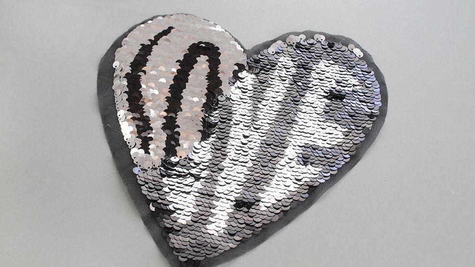Patch - großes Herz: Paillettenliebe (nähen) im Makerist Materialshop - Bild 4