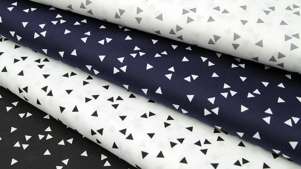 Tissu coton blanc avec triangles gris : Triangle - 150cm dans la mercerie Makerist - Image 3
