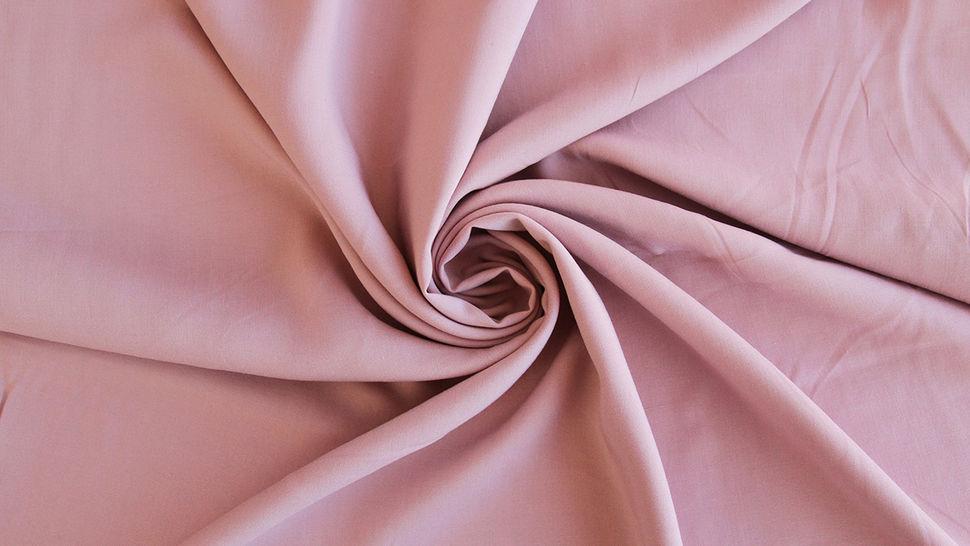 Tissu en viscose radiance uni vieux rose - 142 cm dans la mercerie Makerist - Image 2