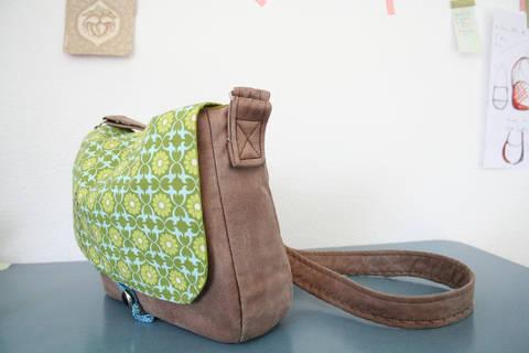 Umhängetasche Frau S. & Frau Suse, Taschenschnitt in 2 Größen bei Makerist sofort runterladen