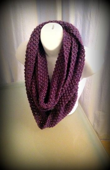 Download Super Long Infinity Scarf - Knitting Patterns immediately at Makerist