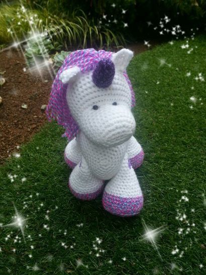Download Sparkle, the Unicorn - Crochet Patterns immediately at Makerist