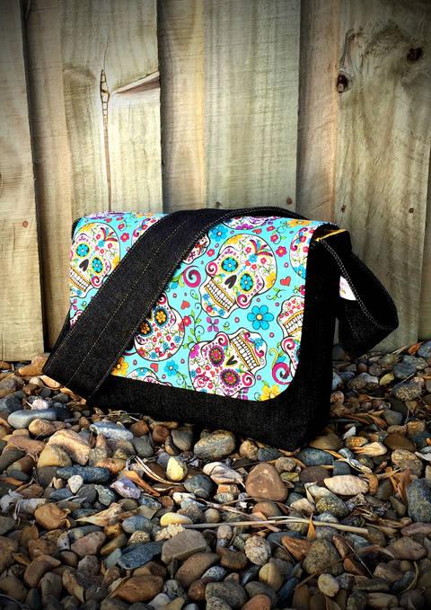 Download Good-To-Go Messenger Bag- Messenger Bag Sewing Pattern immediately at Makerist