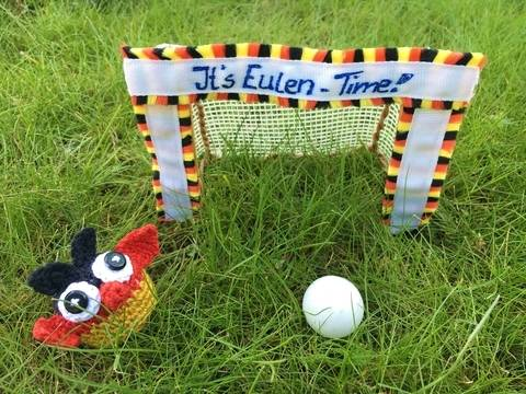 gehäkelte Fußballeule Deutschland | It's Eulen-Time bei Makerist sofort runterladen