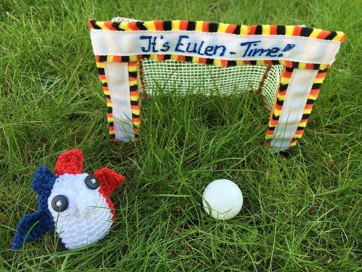 gehäkelte Fußballeule Frankreich| It's Eulen-Time - Häkelanleitungen bei Makerist sofort runterladen