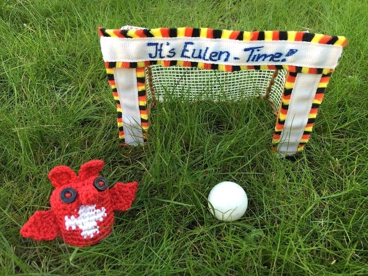 gehäkelte Fußballeule Schweiz| It's Eulen-Time - Häkelanleitungen bei Makerist sofort runterladen
