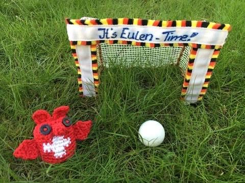 gehäkelte Fußballeule Schweiz| It's Eulen-Time bei Makerist sofort runterladen