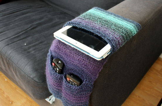 Download Blue Dream Remote Caddy - Knitting Patterns immediately at Makerist