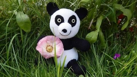 Häkelanleitung Panda Bär bei Makerist sofort runterladen