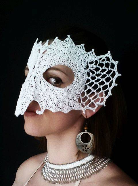 Download Royal Elephant Lace Masquerade Mask (dress up or photo prop)- crochet pattern immediately at Makerist