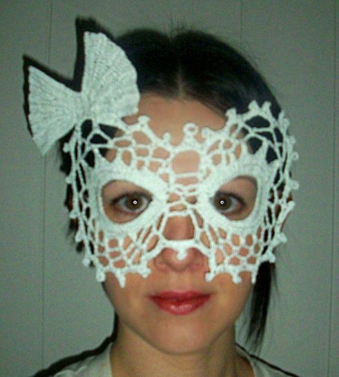 Download Lady Bow Lace Masquerade Mask (dress up or photo prop)- crochet pattern - Crochet Patterns immediately at Makerist