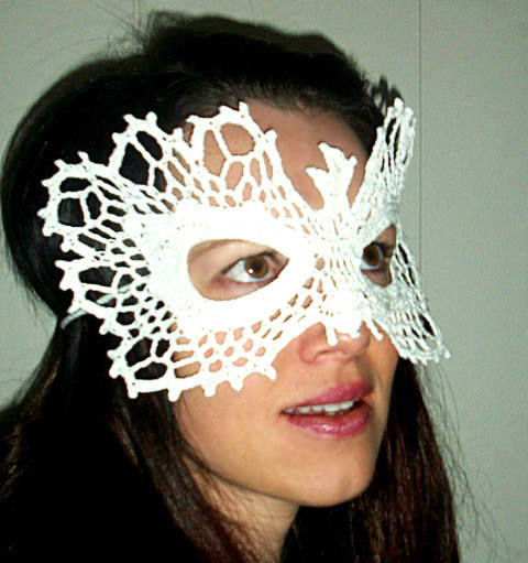 Download Phoenix Lace Masquerade Mask (costume or photo prop)- crochet pattern immediately at Makerist