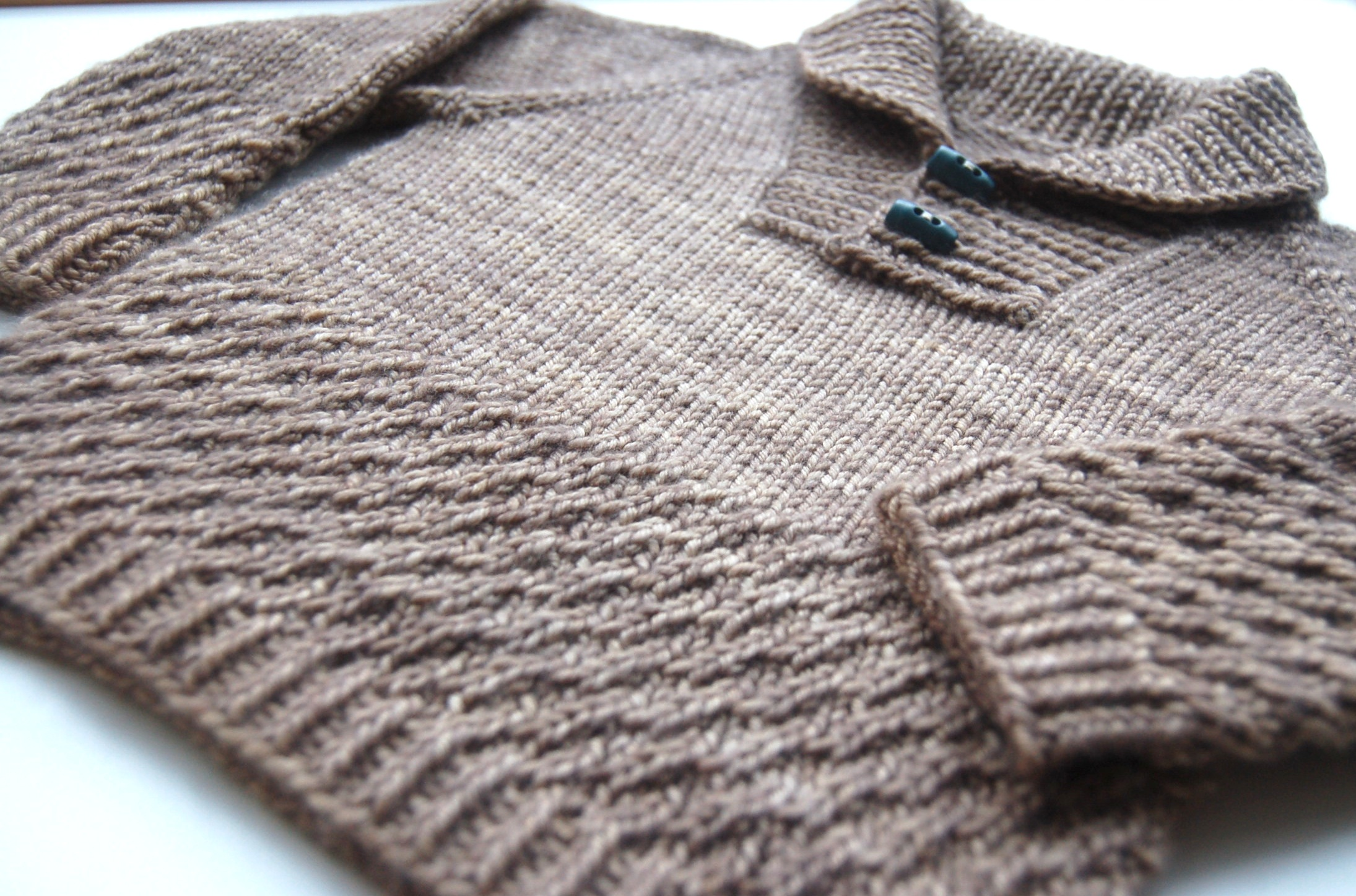 Boy sweater with shawl collar - knitting pattern