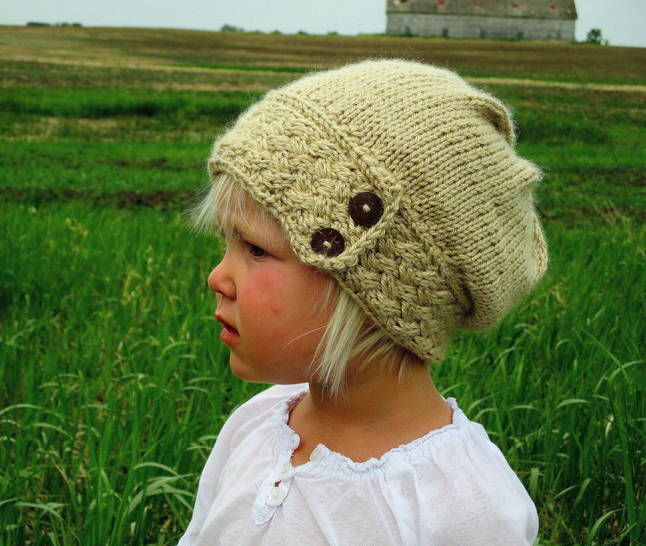 Download Little Ella's Slouch Hat - Knitting Patterns immediately at Makerist