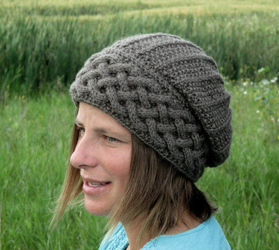 Download Song of Peace Slouch Hat - Knitting Patterns immediately at Makerist