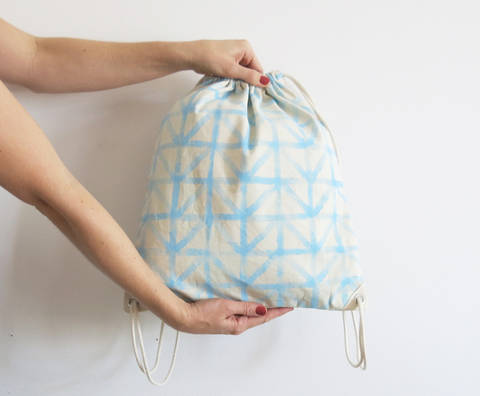 Download Simple drawstring backpack immediately at Makerist