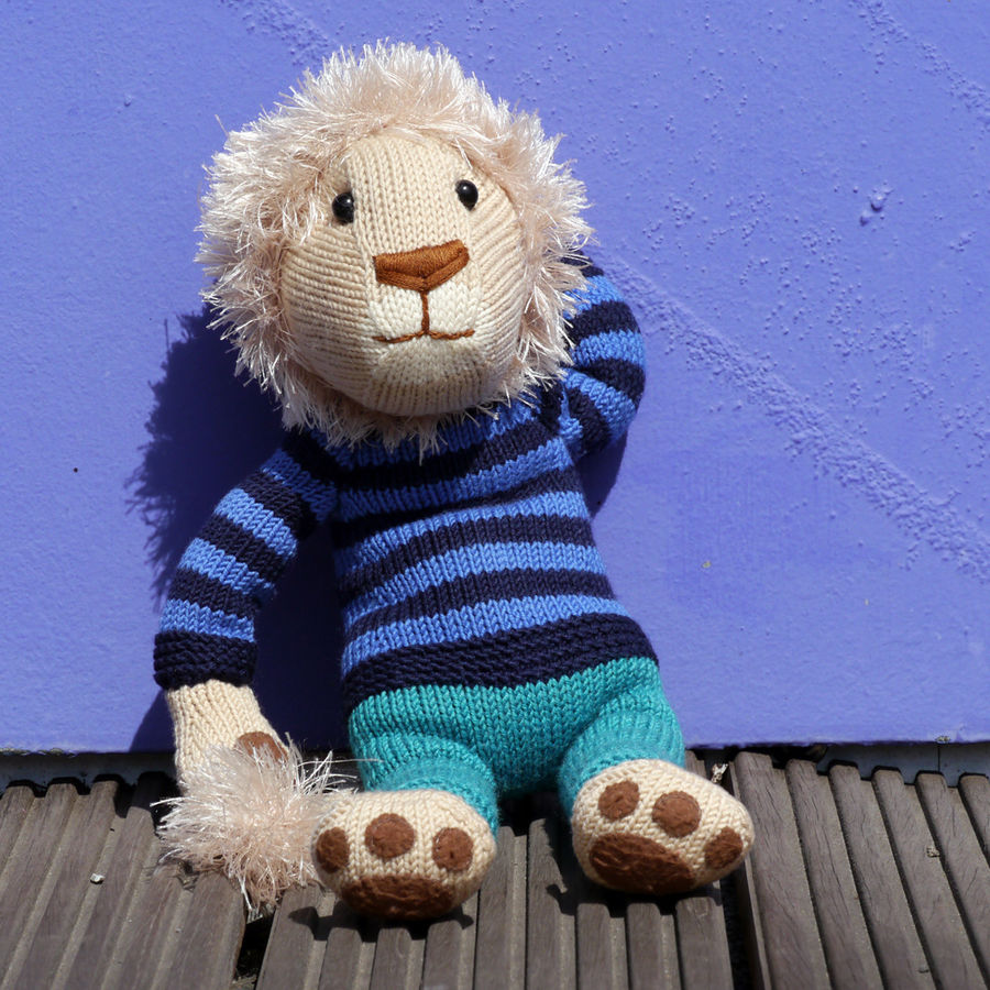 NELSON THE LION knitting pattern