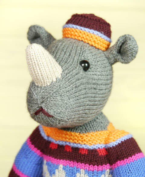Download MARVIN THE RHINO knitting pattern immediately at Makerist