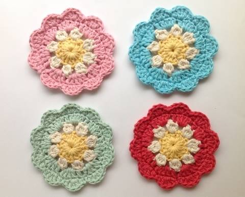 Download Daisy Coasters - Crochet Pattern immediately at Makerist
