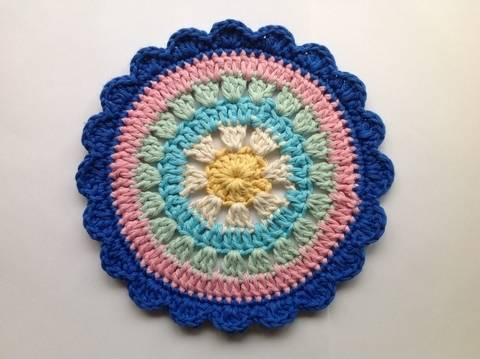 Download Daisy Flower Mandala - Crochet Pattern immediately at Makerist