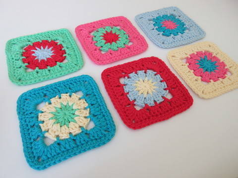 Download Colourful Coaster Crochet Pattern immediately at Makerist