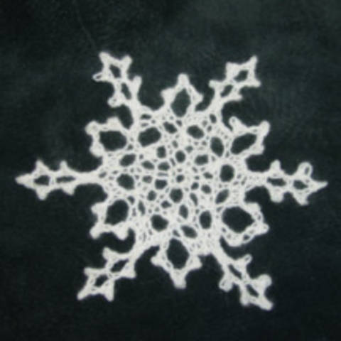 Download Knitted Snowflake Pattern immediately at Makerist