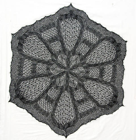 Download Irish Cathedral Shawl  immediately at Makerist