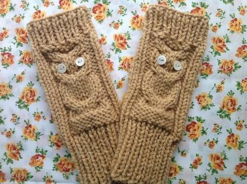 Download Owl fingerless gloves - knitting pattern immediately at Makerist