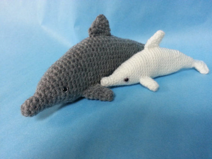Download Bottlenose Dolphin Amigurumi Crochet Pattern - Crochet Patterns immediately at Makerist