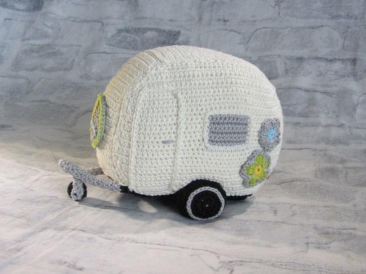 Häkelanleitung Flower Power Wohnwagen - Häkelanleitungen bei Makerist sofort runterladen