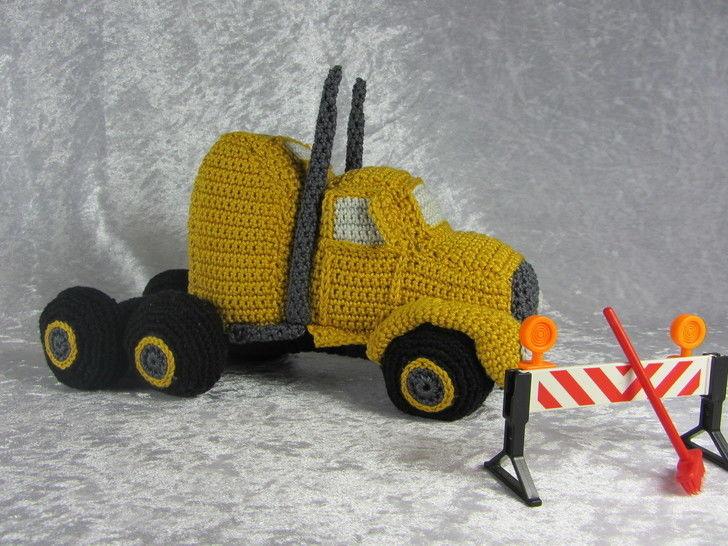 Häkelanleitung LKW Truck - Häkelanleitungen bei Makerist sofort runterladen