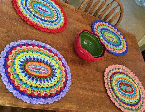 Download Karmic Mandala Placemats - Crochet Patterns immediately at Makerist