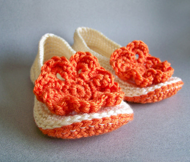 Download Crochet Slippers, Womens Slippers - Crochet Patterns immediately at Makerist