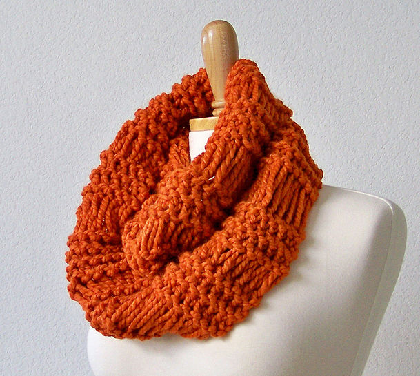 Download Infinity Scarf, Chunky Cowl Scarf, Neck Warmer - Knitting Patterns immediately at Makerist