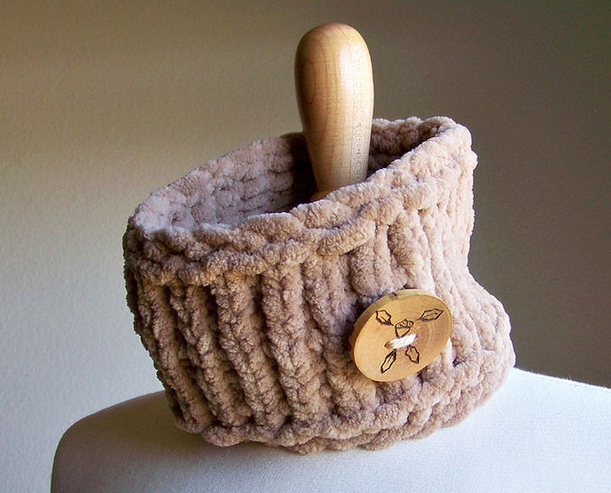 Download Chunky Cowl, Knit Cowl, Neck Warmer, Headband - Knitting Patterns immediately at Makerist