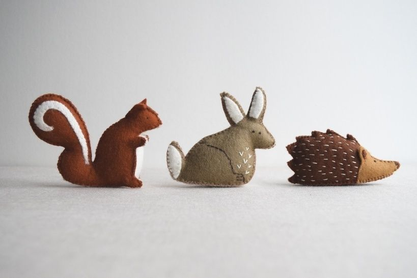 Download Woodland animal playset sewing pattern – DIY embroidery sewing pattern for rabbit, squirrel and hedgehog softies – soft toy tutorial - Sewing Patterns immediately at Makerist