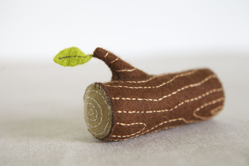 Download Log Sewing Pattern – DIY embroidery sewing pattern for log soft toy – wood branch soft toy tutorial - Sewing Patterns immediately at Makerist
