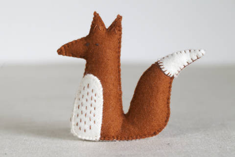 Download Alphonsus Fox Sewing Pattern – DIY embroidery sewing pattern for sitting fox softie – Fox soft toy tutorial immediately at Makerist
