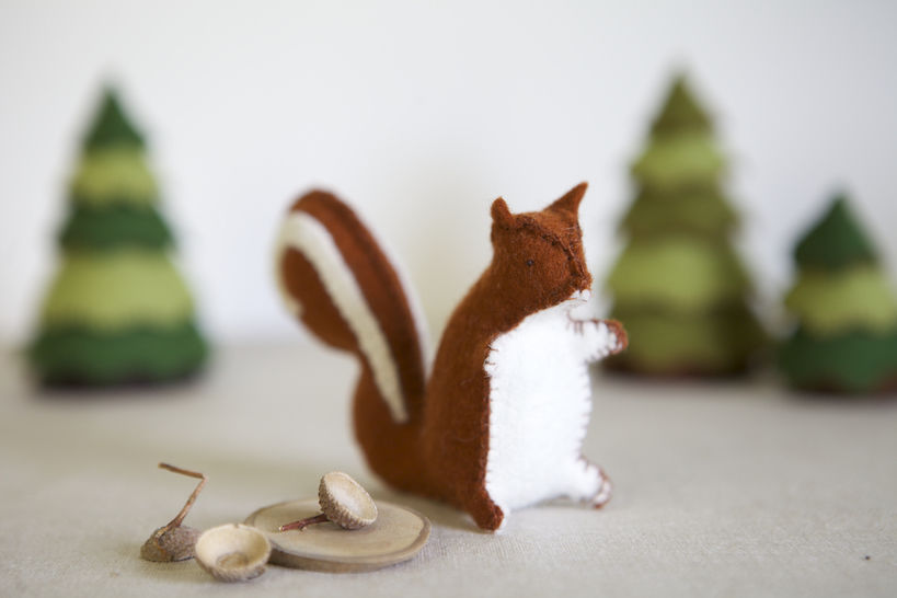Download Sylvester Squirrel Sewing Pattern – DIY embroidery sewing pattern for squirrel softie – Squirrel soft toy tutorial - Sewing Patterns immediately at Makerist