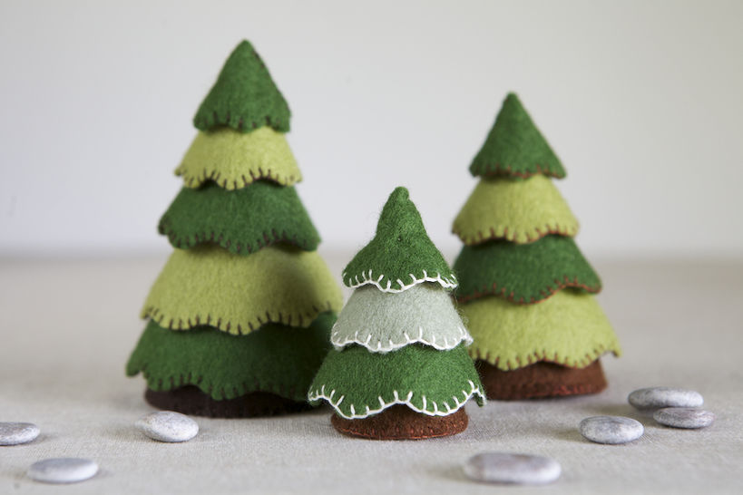 Download Felt Tree Sewing Pattern – DIY embroidery sewing pattern for felt toy trees – Woodland soft toy tutorial - Sewing Patterns immediately at Makerist