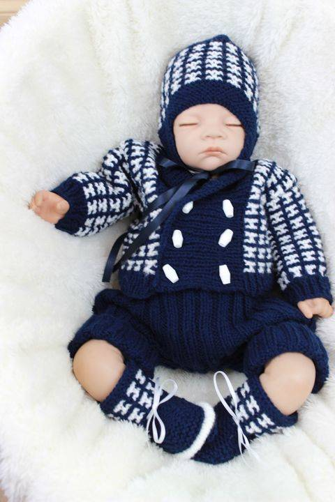 Download KP322 Boys jacket, hat, shorts and booties baby knitting pattern #322 immediately at Makerist